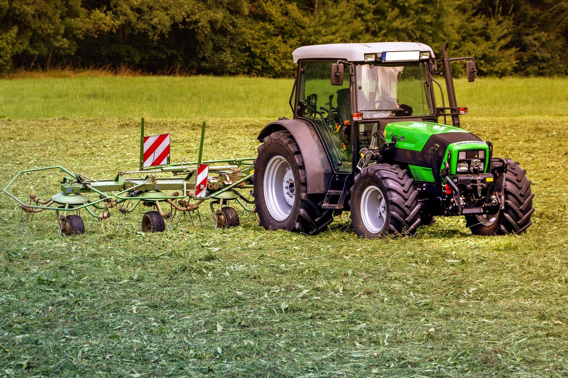Riepas traktoriem un lauksaimniecības tehnikai